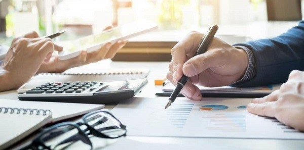 Cách xác định báo cáo thuế theo quý/tháng